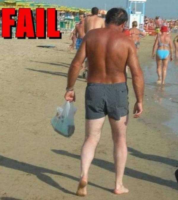 funny-beach-pics (56)