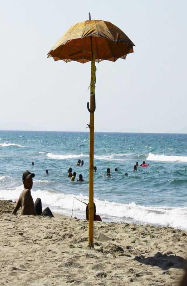 funny-beach-pics (60)
