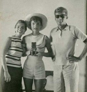 Selfies from the Past (25 photos) 12