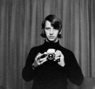 Selfies from the Past (25 photos)