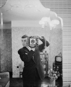 Selfies from the Past (25 photos) 8