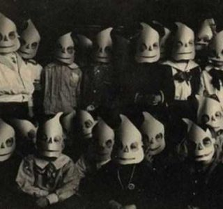 Creepy Photos For Your Nightmares (39 photos)