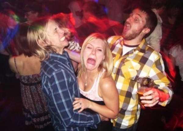 Awkward-Nightclub-Pics (20)