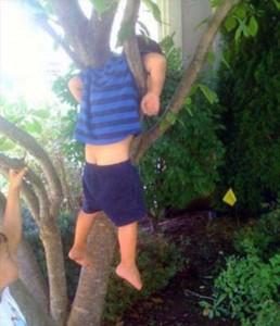 Kids Getting Stuck in Various Things (37 photos) 12