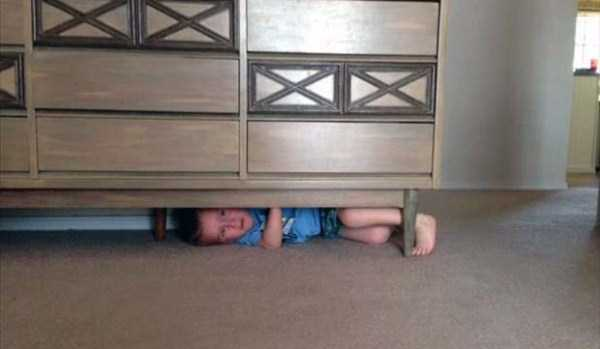 Kids-Stuck-In-Stuff (3)