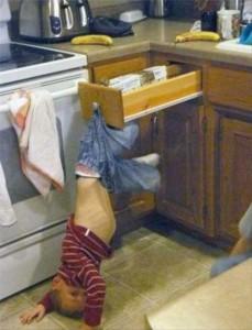 Kids Getting Stuck in Various Things (37 photos) 8