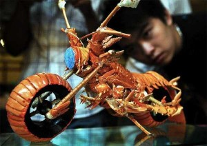 Impressive Motorcycle Made from Lobster Shells (8 photos) 1
