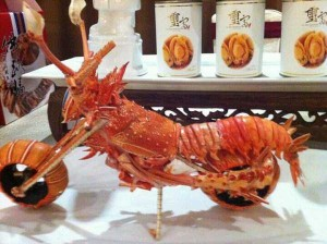 Impressive Motorcycle Made from Lobster Shells (8 photos) 7