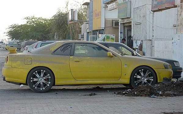 carros de luxo abandonados em dubai 11 abandonado e esquecido Supercars em Dubai (27 fotos)
