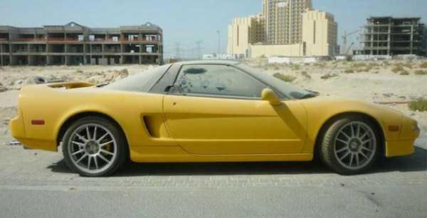 carros de luxo abandonados em dubai 13 abandonado e esquecido Supercars em Dubai (27 fotos)