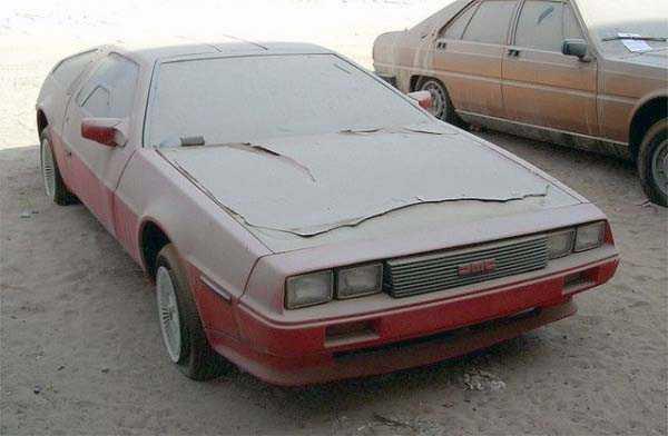 carros de luxo abandonados em dubai 16 abandonado e esquecido Supercars em Dubai (27 fotos)