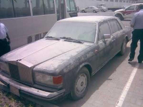 carros de luxo abandonados em dubai 17 abandonado e esquecido Supercars em Dubai (27 fotos)