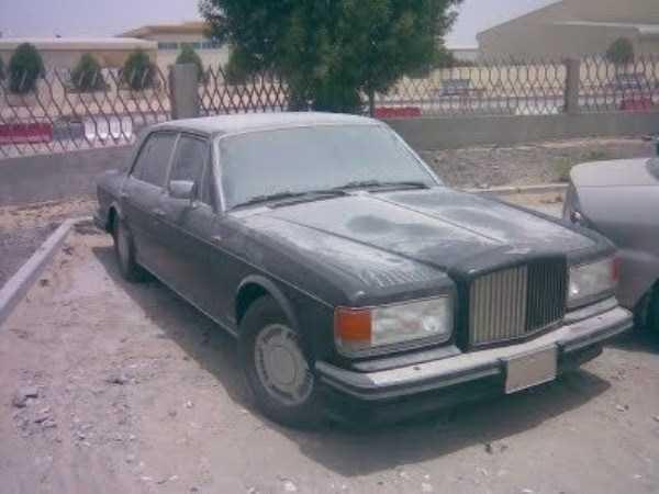 carros de luxo abandonados em dubai 18 abandonado e esquecido Supercars em Dubai (27 fotos)