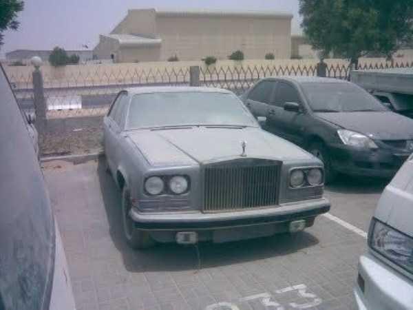 carros de luxo abandonados em dubai 19 abandonado e esquecido Supercars em Dubai (27 fotos)
