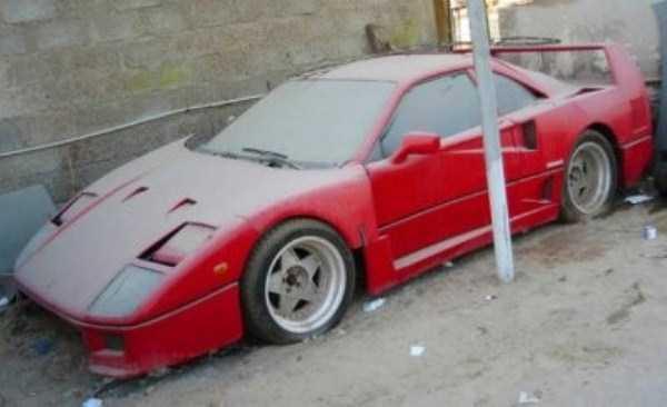 carros de luxo abandonados em dubai 22 abandonado e esquecido Supercars em Dubai (27 fotos)