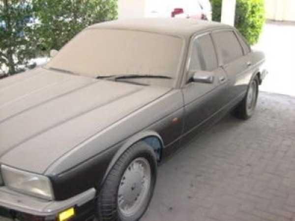 carros de luxo abandonados em dubai 25 abandonado e esquecido Supercars em Dubai (27 fotos)
