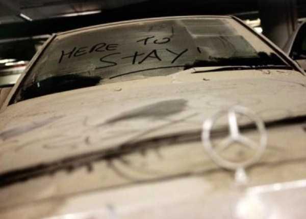 carros de luxo abandonados em dubai 27 abandonado e esquecido Supercars em Dubai (27 fotos)