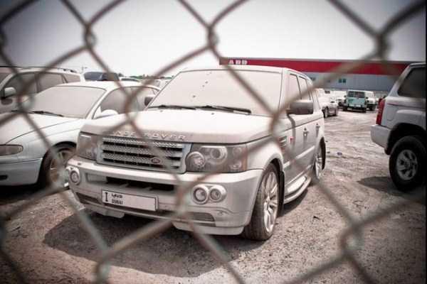 abandonado carros de luxo em Dubai 6 abandonado e esquecido Supercars em Dubai (27 fotos)