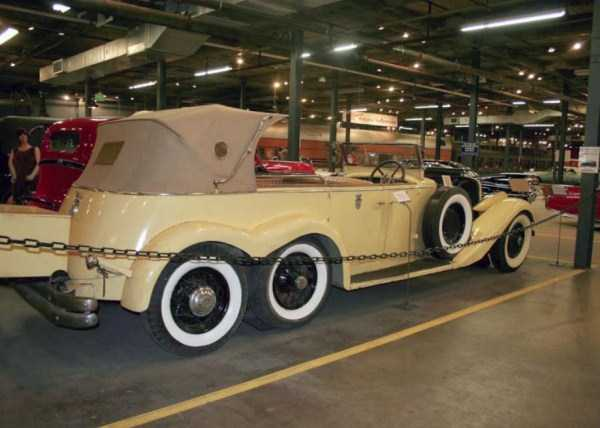 cars-with-more-than-4-wheels-36