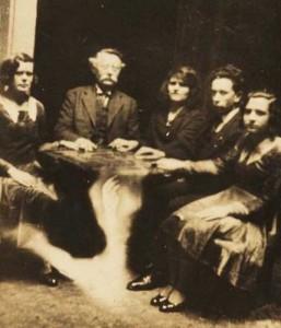 Really Creepy Photos From 1920's (23 photos) 1