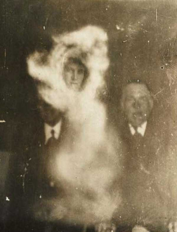 creepy-pics-from-the-past (14)