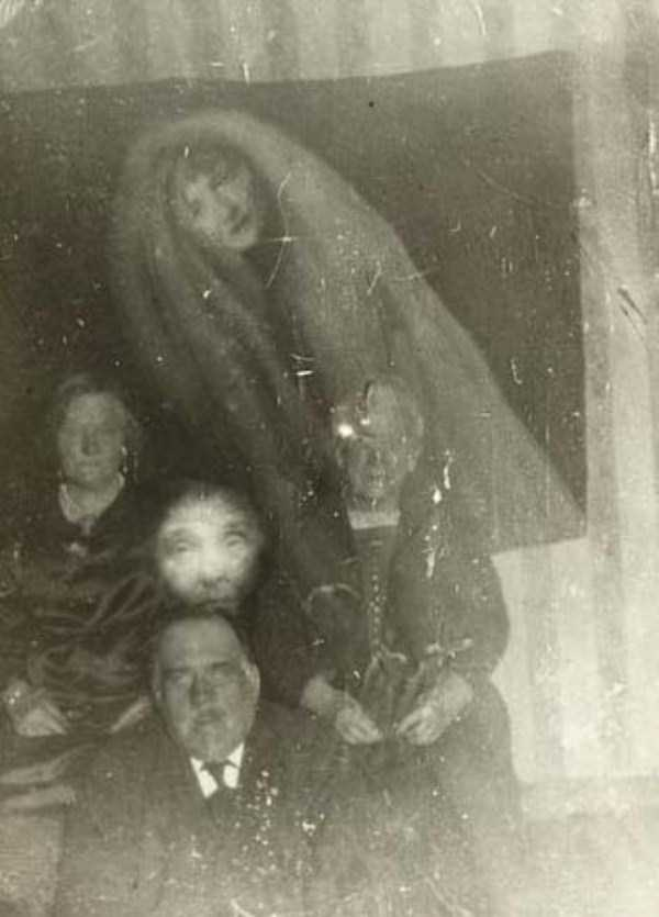creepy-pics-from-the-past (16)