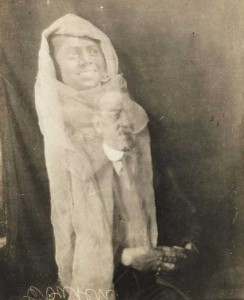 Really Creepy Photos From 1920's (23 photos) 9