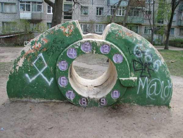 creepy-playgrounds (13)