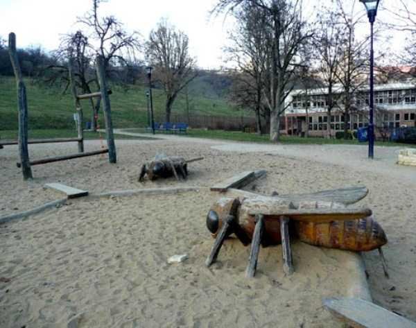 creepy-playgrounds (18)