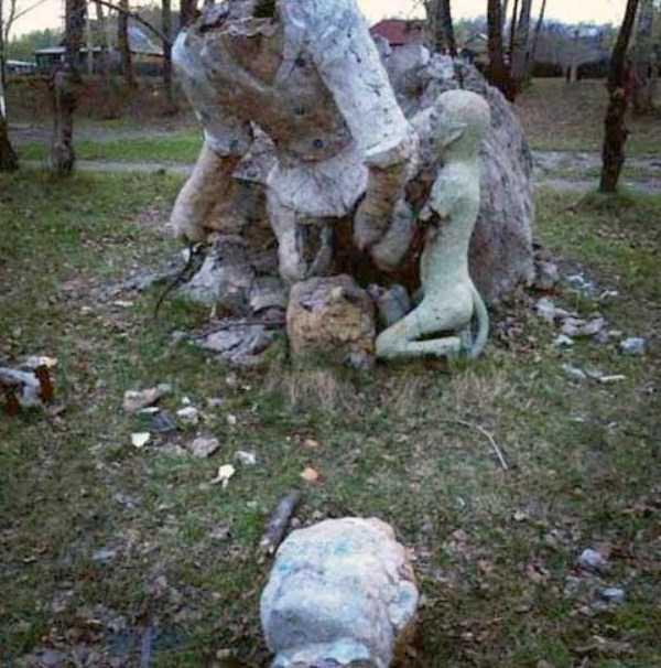 creepy-playgrounds (31)