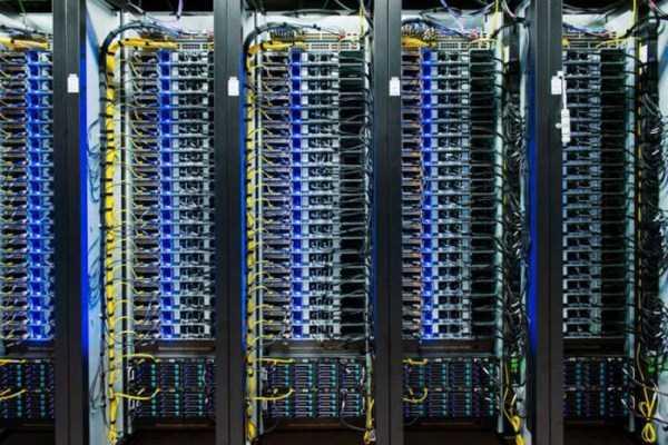 facebook data center 16 Facebooks Massive Data Center (22 photos)
