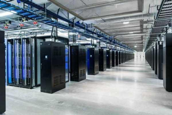 facebook data center 3 Facebooks Massive Data Center (22 photos)