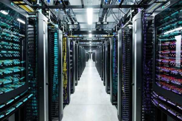 facebook data center 7 Facebooks Massive Data Center (22 photos)