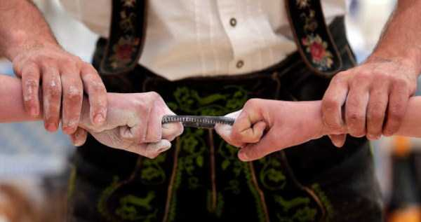 German Finger Wrestling Championships (9 photos) 2