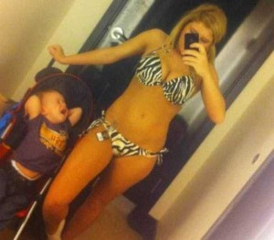 Inappropriate Selfies Taken by Moms (34 photos) 16