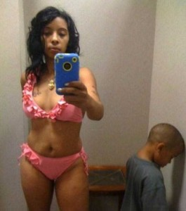 Inappropriate Selfies Taken by Moms (34 photos) 3