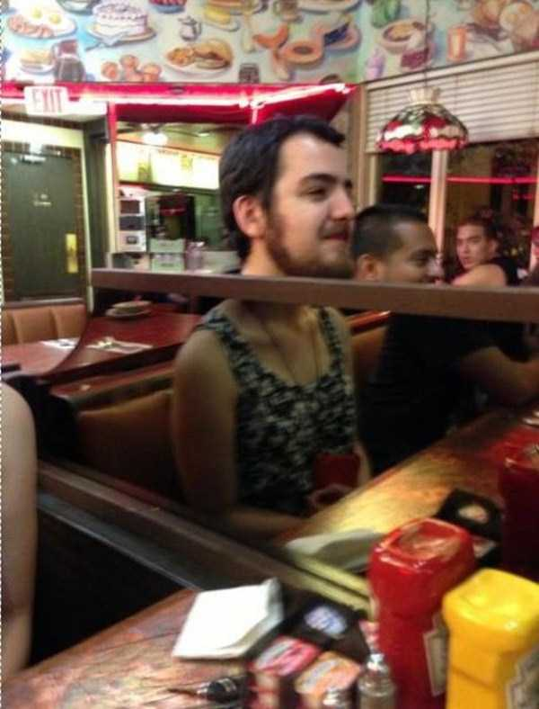 perfectly-timed-photos-that-make-you-do-a-doubletake-26