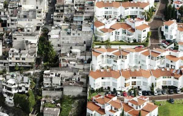 The Difference Between Wealthy And Poor Neighbourhoods In Mexico (4 photos) 2