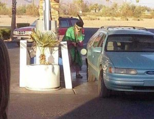 Strange People Seen at Gas Stations (25 photos) 1