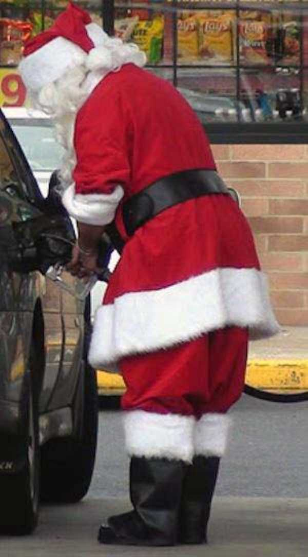 weird-people-at-gas-stations (19)