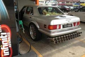 27 Ridiculously Stupid Car Mods (27 photos) 13