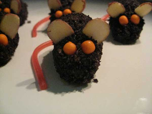 bizarre-chocolate-sculptures (13)