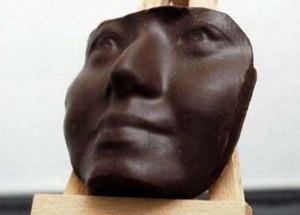 Seriously Strange Things Made of Chocolate (28 photos) 16