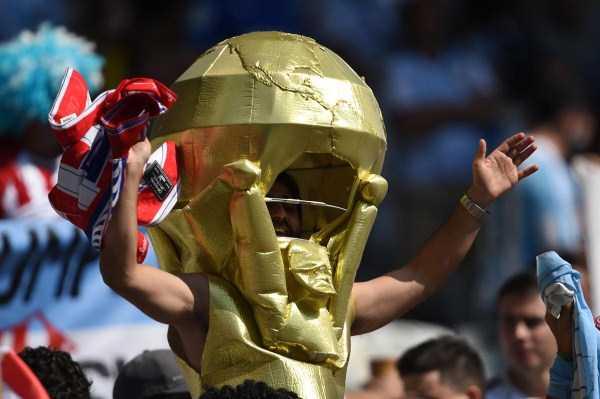 football-world-cup-vivid-fans (18)