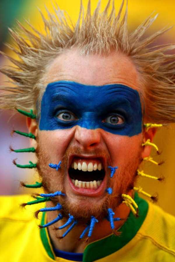 football-world-cup-vivid-fans (20)