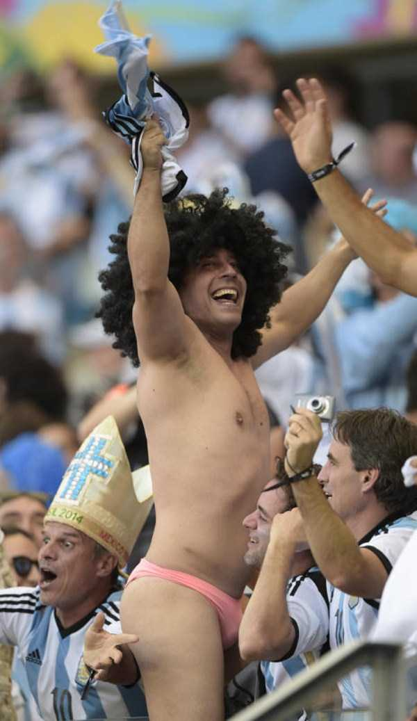 football-world-cup-vivid-fans (21)