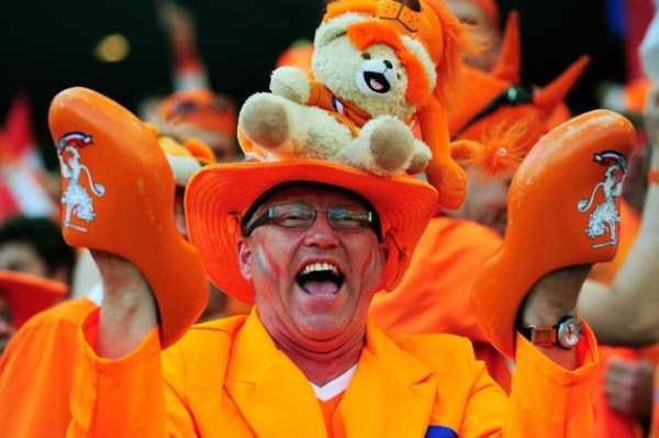football-world-cup-vivid-fans (22)