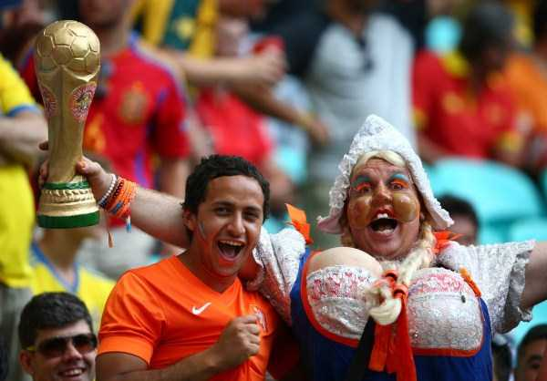 football-world-cup-vivid-fans (29)