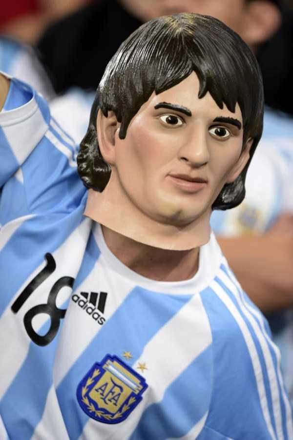 football-world-cup-vivid-fans (30)