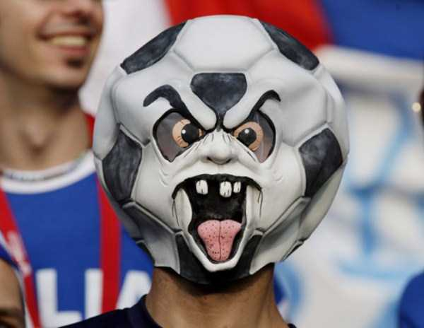 football-world-cup-vivid-fans (33)